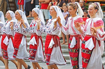 Romanian Folk Dancing